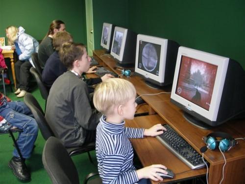 Сколько можно работать за компьютером в школе