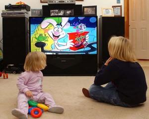Нужен ли телевизор малышам