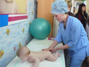 Минздрав дал обещание, найти за один год места в детских больницах для родителей