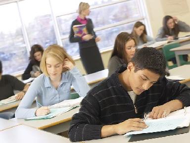 За счет лишнего школьного года увеличивается IQ
