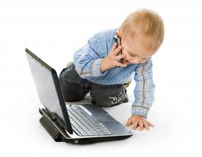 Хорошим манерам ребенка нужно учить с раннего детства