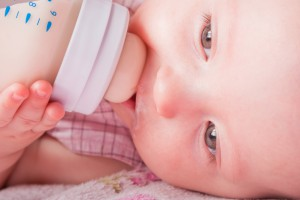 Для правильного развития пищеварения ребенку нужны горячие напитки