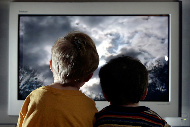 Компьютер и телевизор, враг для детского здоровья
