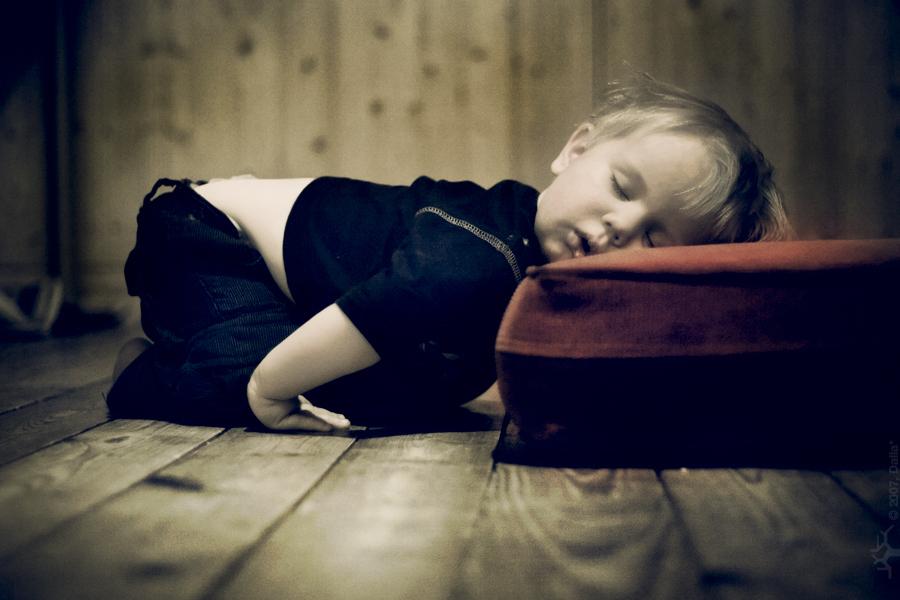 Как правильно уложить ребенка спать