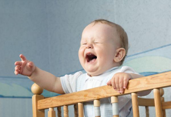 Не стоит трястись над детьми, нужно давать им поплакать.