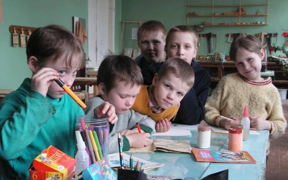 К 2020 году в Украине каждый ребенок-сирота будет жить в семье Электронный журнал о детях и подростках