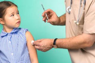 Нужна ли прививка от гриппа детям