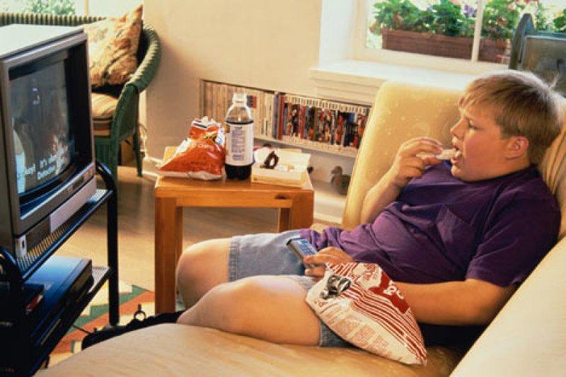 На вес детей будут влиять через средства массовой информации