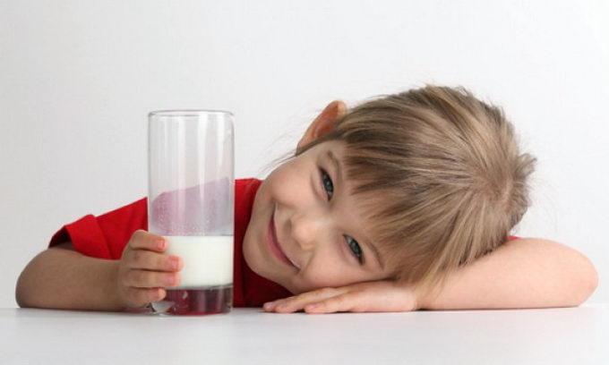 Молочные реки, или сколько ежедневно ребенку пить молока
