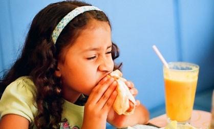 Фаст-фуд приводит детей к астме