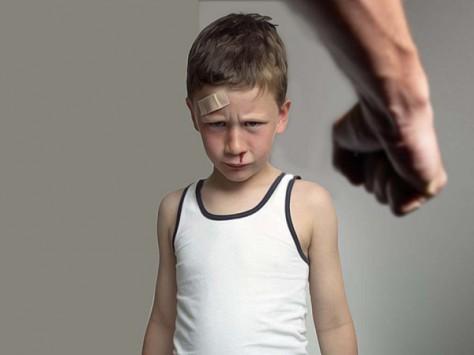 Насилие над детьми в семье порождает только негатив и дальнейшее насилие