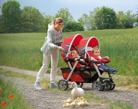 Коляски для двойни: особенности выбора, преимущества и недостатки