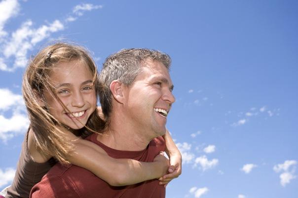 Воспитание девочки лучше доверить отцу