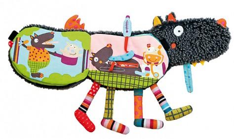 Как выбрать игрушку малышу с учетом его возраста?