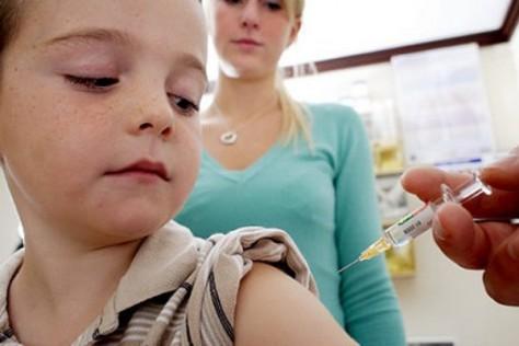 Какое решение принимать, при предложении делать обязательную прививку