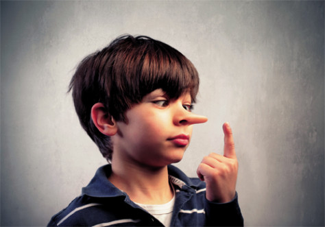 Взрослые сильно не до оценивают маленьких детей, они искусно могут врать