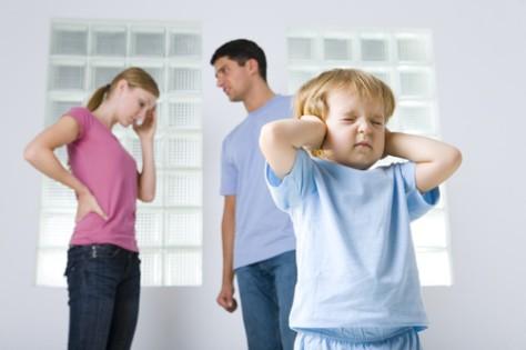 Почему следует избегать ссор при детях