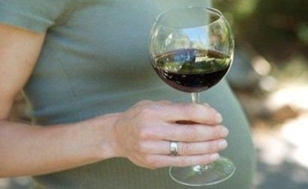 Алкоголь может стать причиной преждевременных родов