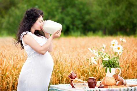Употребление молока при беременности влияет на рост будущего ребенка