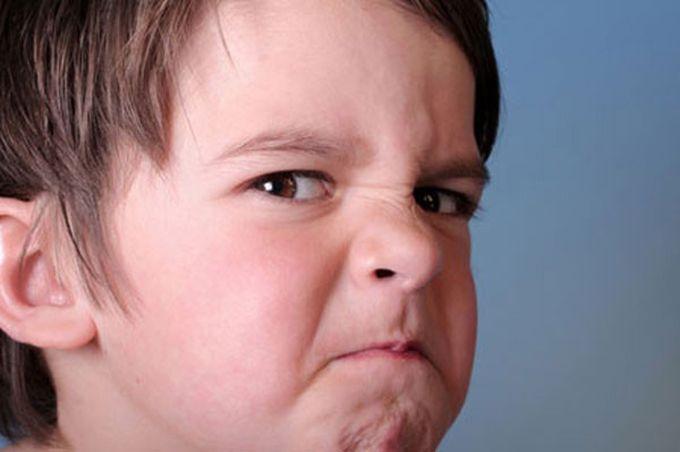 Как себя вести с агрессивными детьми?