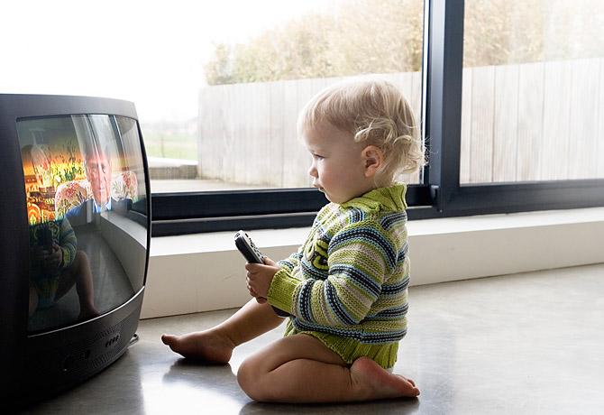 Телевизор может стать причиной возникновения гипертонии у детей
