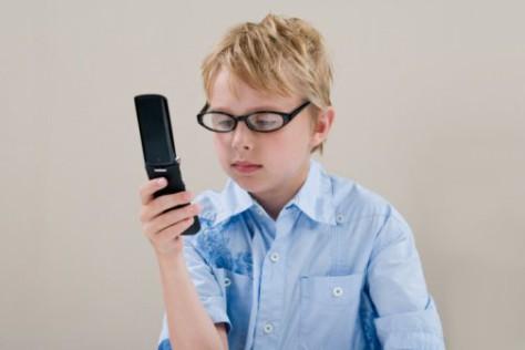 Негативное влияние мобильных телефонов на организм ребенка. Аллергия и сонливость