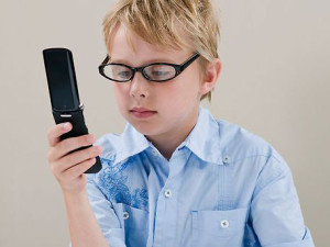 Мобильный телефон пагубно воздействует на головной мозг школьника