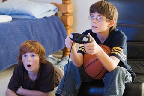 Видео игры помогают детям в умеренном количестве