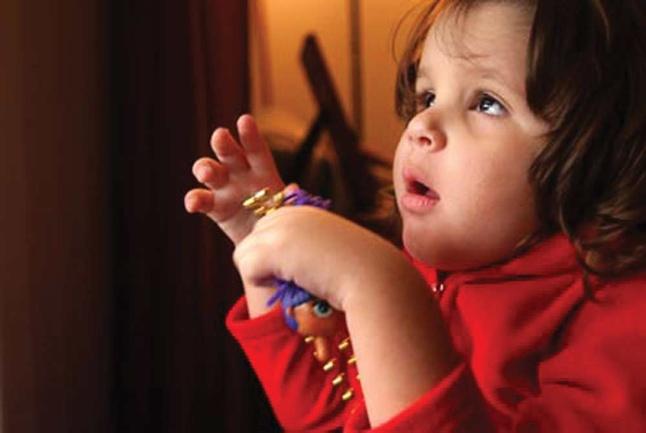Ученые: развить социальные навыки у детей аутистов поможет гормон