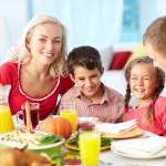 Столовая приучает детей питаться правильно