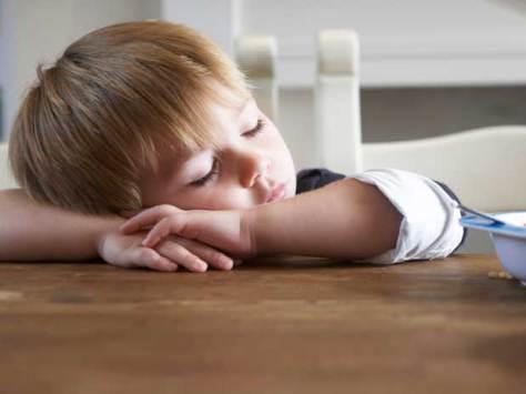 У детей, страдающих обструктивным апноэ сна, послеоперационное обезболивание после удаления небных миндалин с помощью морфина связано с риском развития побочных эффектов