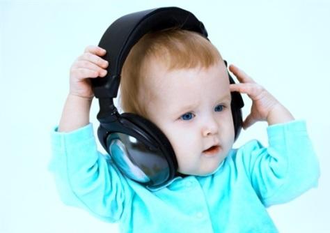 Ученые: поп музыка помогает детям легче перенести боль