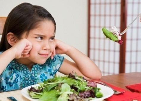 Если ребенок не ест, виноваты гены