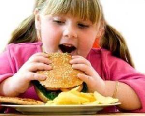 Ожирение у детей: что делать