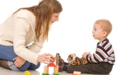 Исследование: разговоры с детьми об эмоциях снижают уровень их агрессии