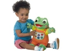 Не дарите малышам «говорящие» и «поющие» игрушки