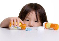 Препараты из домашних аптечек часто становятся причиной отравлений детей