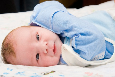 Новорожденные смотрят на мир по-другому