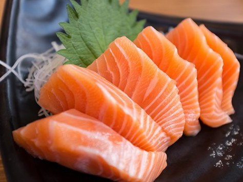 Избыток рыбы во время беременности ведет к ожирению у будущих детей