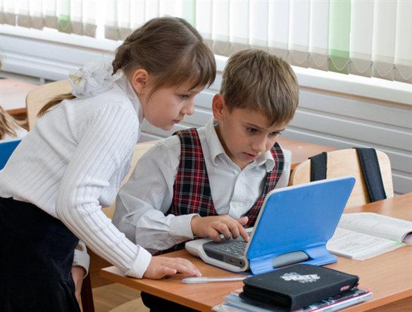 50% школьников круглосуточно пользуются интернетом