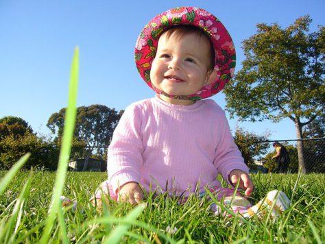 Прогулки на свежем воздухе способствуют хорошему зрению у детей