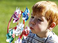 Игры на свежем воздухе — гарантия острого зрения во взрослом возрасте