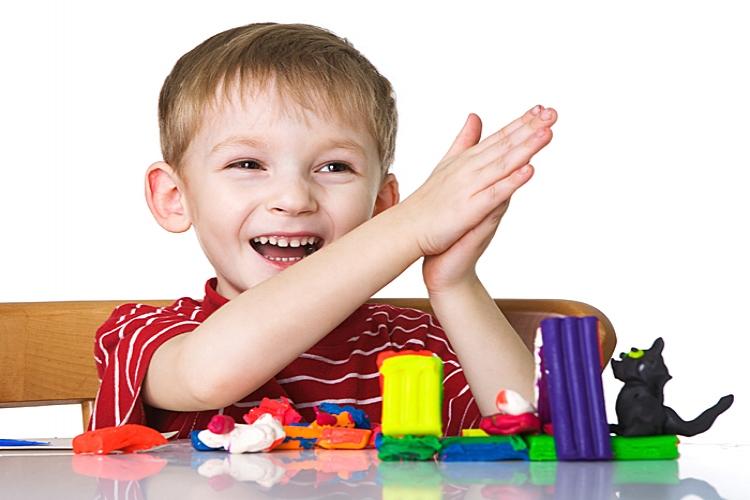 Лепка помогает детям развиваться