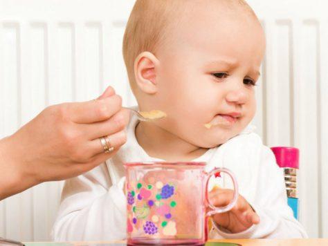 В чем причина нарушения питания у младенцев
