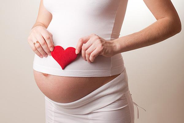 Предрасположенность к лишнему весу формируется питанием матери в период беременности