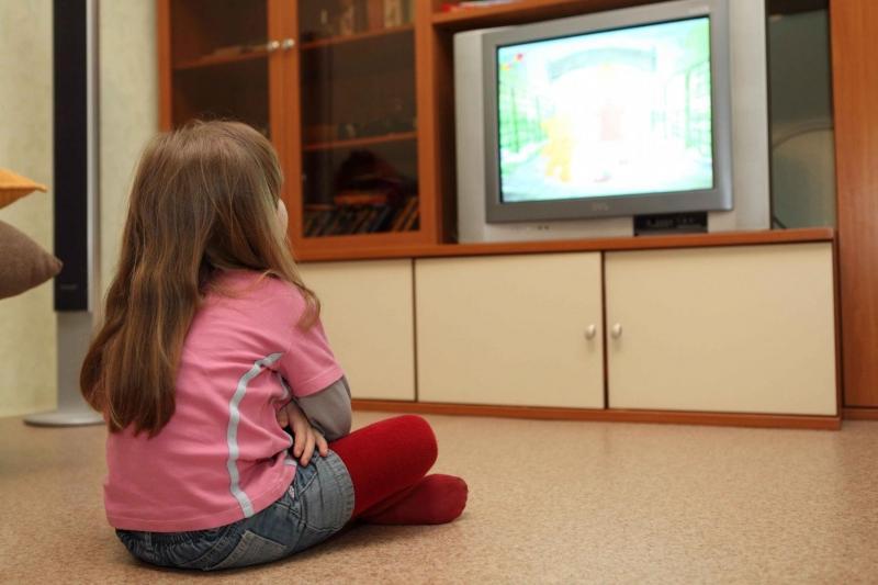 Просмотр телевизора снижает концентрацию внимания у детей