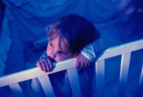 Беспокойный сон нарушает психическое развитие детей грудного и раннего возраста