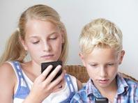 Поведение детей страдает из-за мобильных устройств, показал анализ