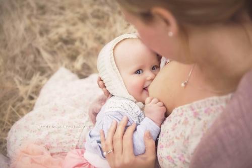 Кормление грудью укрепляет легкие ребенка