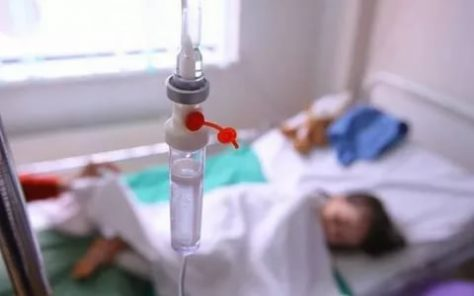 Что делать при отравлении: первая помощь детям